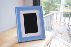 在室的照片框架 免版税库存图片