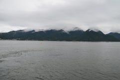 在宫岛海岛日本的恶劣天气 库存照片
