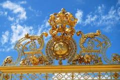 在宫殿的金门在凡尔赛 图库摄影