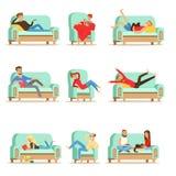 在家休息放松在沙发或扶手椅子的人们有懒惰业余时间和休息被设置例证 向量例证