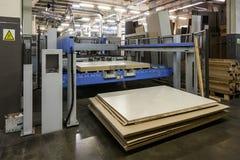 在家具工厂的机器 图库摄影