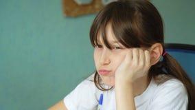在家庭作业的困难 股票录像