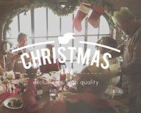 在家庭晚餐躺在的圣诞节词 图库摄影
