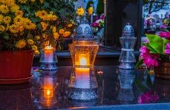 在宽容公墓的坟墓 万圣节 免版税图库摄影