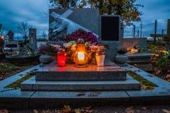 在宽容公墓的坟墓 万圣节 库存图片
