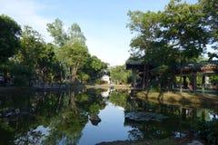 在寂静的水的反射 免版税图库摄影