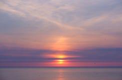 在密执安湖的日落 库存图片