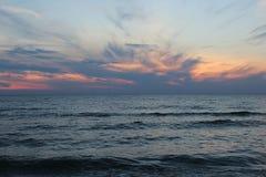 在密歇根湖的夏天日落 免版税图库摄影