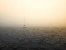 在密歇根湖的风雨如磐的天空 库存照片
