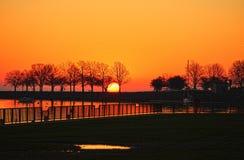 在密歇根湖的Sunrising 免版税库存图片