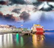 在密西西比河,新奥尔良的汽船 免版税库存图片