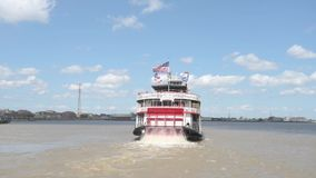 在密西西比河,新奥尔良的汽船Natchez 股票视频