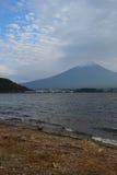 在富士山的云彩在日本 免版税库存图片