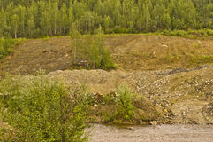 在富矿小河的跟踪堆 免版税库存图片