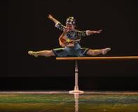 在对学校现代舞蹈的途中 免版税库存照片