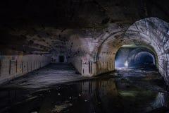 在对象221,被放弃的苏联地堡,黑海舰队后方指挥部岗位的分叉的隧道  免版税库存图片