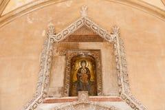 在对巴勒莫大教堂的入口上 免版税库存图片