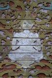 在寺庙屋顶的泰国老木雕塑  免版税图库摄影