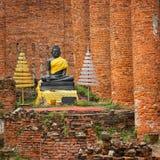 在寺庙废墟的菩萨雕象。Ayuthaya,泰国 免版税库存照片