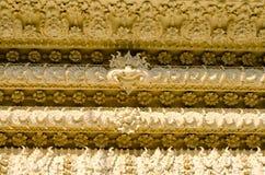 在寺庙泰国的灰泥墙壁 库存照片