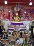 在寺庙泰国的菩萨雕象 库存照片