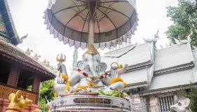 在寺庙清迈泰国的印度神ganesh雕塑 免版税库存图片