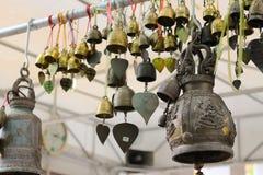 在寺庙的响铃 库存图片