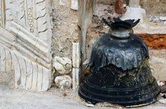 在寺庙的响铃 免版税库存照片