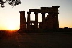 在寺庙的日落 免版税库存照片