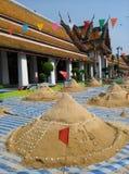 在寺庙的沙子山 库存图片