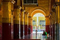 在寺庙的生活在缅甸 免版税库存照片