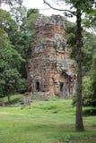 在寺庙的石头废墟在吴哥,暹粒,柬埔寨 免版税库存照片
