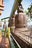 在寺庙的许多大响铃 库存图片