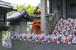 在寺庙的Fox雕象 免版税图库摄影