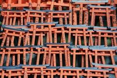 在寺庙的Miniture Torii门 库存照片