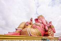 在寺庙,泰国的最大的Ganesha雕象 库存图片