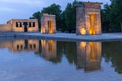 在寺庙de debod的日落在马德里 图库摄影