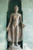 在寺庙phayao,泰国的老菩萨雕象 免版税图库摄影