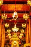 在寺庙Wat Pathum Wanaram里面 免版税图库摄影