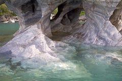 在将军Carrera Lake,巴塔哥尼亚,智利的洞 免版税库存照片