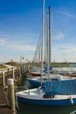 在小口岸-垂直的小船 免版税库存照片
