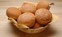 在小圆面包上添面包 图库摄影