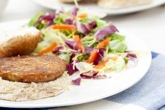 在小圆面包的素食者汉堡 免版税图库摄影