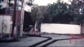 1958 - 在小型竟赛者乘驾的孩子在佛罗里达假期 影视素材