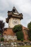 在小山的中世纪钟楼 免版税库存照片