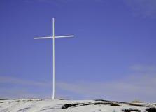 在小山的十字架在北加拿大 库存照片
