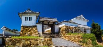 在小山的富冈城堡在Amakusa,熊本,日本 免版税库存图片