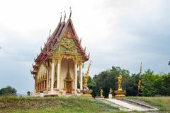 在小山的寺庙 库存图片