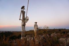 在小山顶部的唐Quijote纪念碑 图库摄影