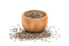 在小木碗的Chia种子 库存照片